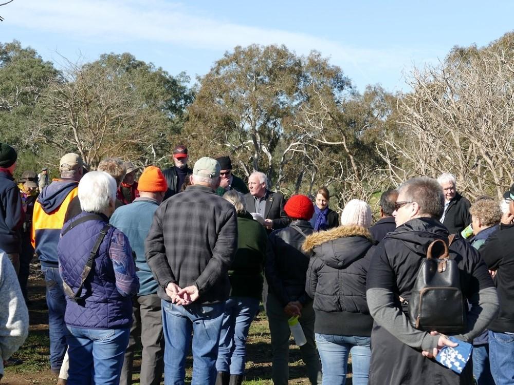 Bob Tuner (Melton Mayor) addressing visitors