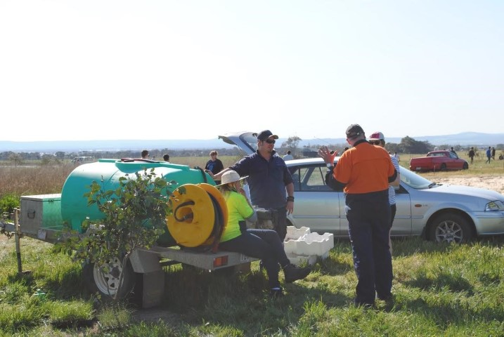 Western Land Services and Western Water volunteers at Pinkerton Link